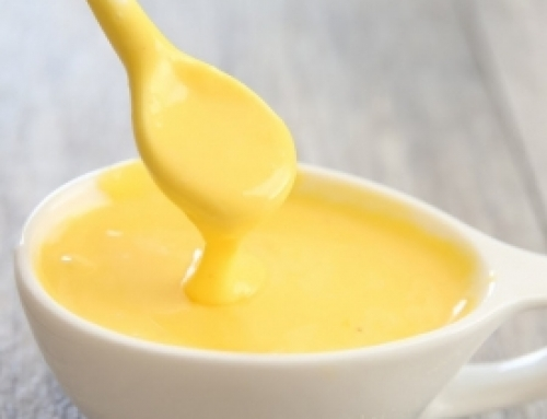 Raw Hollandaise Sauce